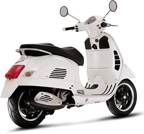 Vespa GTS 300 Super in White