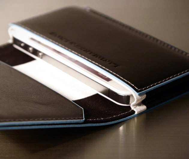 Landmark & Lions Quantum iPhone 5 Wallet