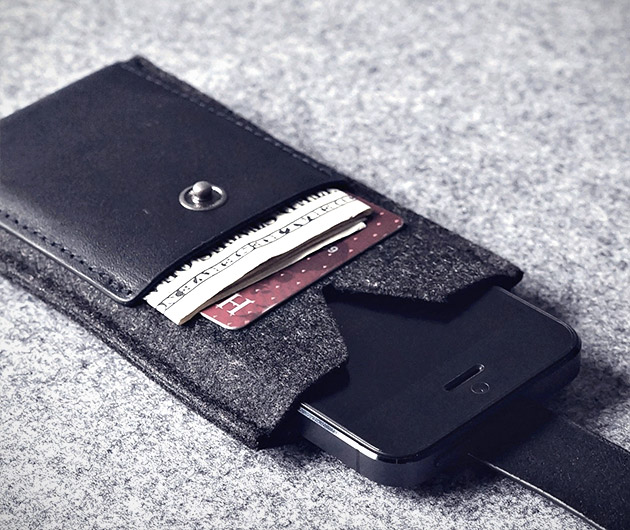 Charbonize-iPhone-Wallet