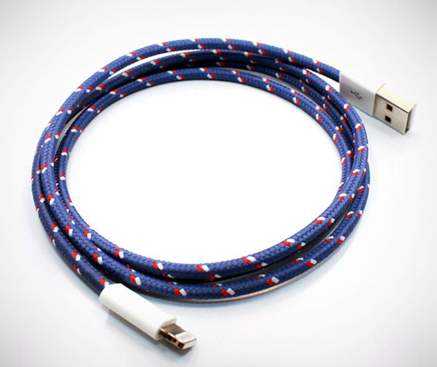 The-Collective-Textile-Lightning-Cables