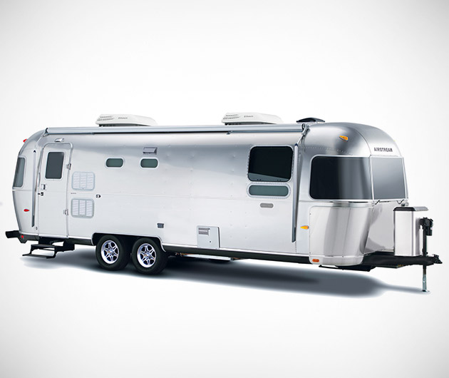 airstream-land-yacht