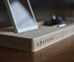 Station iPhone Caddy
