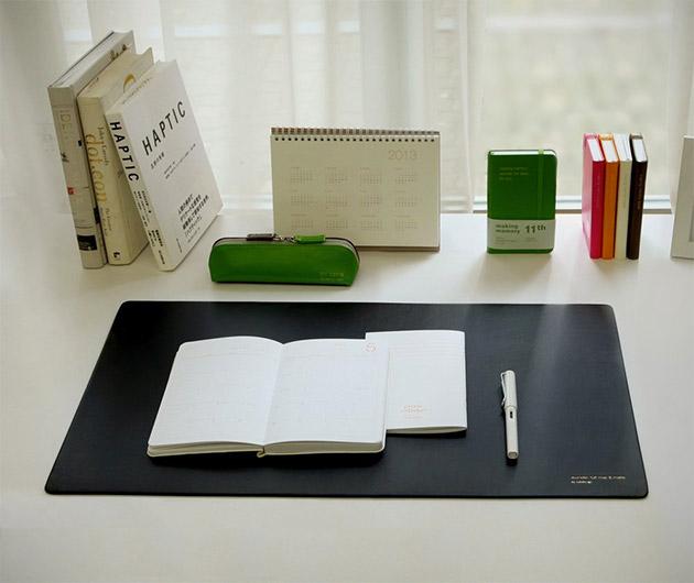 Satechi Desk Mat & Mate
