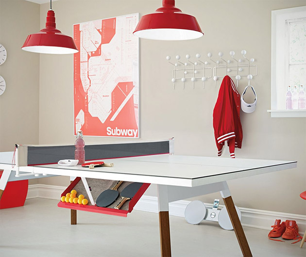 Bola Ping Pong Table