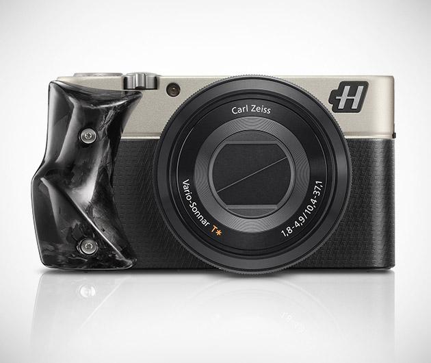hasselblad-stellar-special-edition-cameras-black