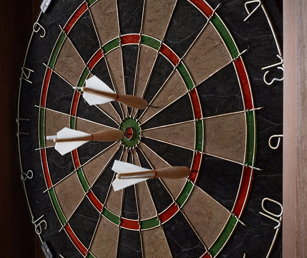 tournament-dartboard-set-03