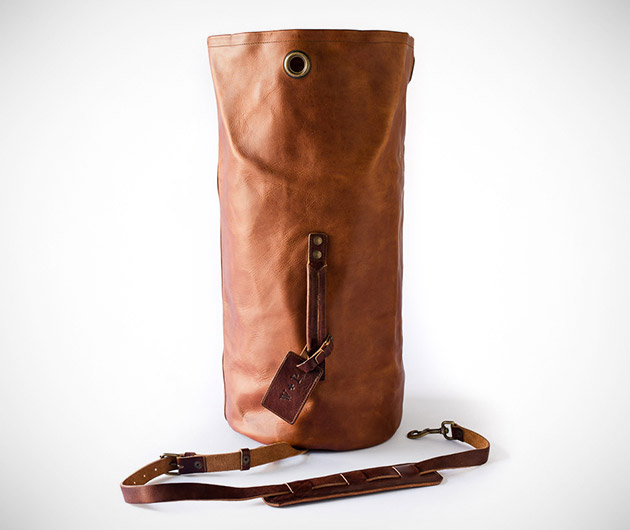 whipping-post-military-duffle-bag-01