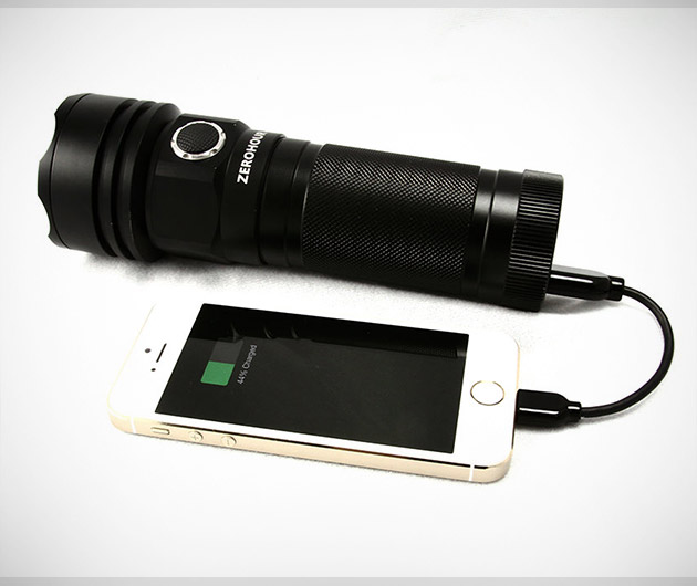 zerohour-battery-backup-flashlight-wild-charge