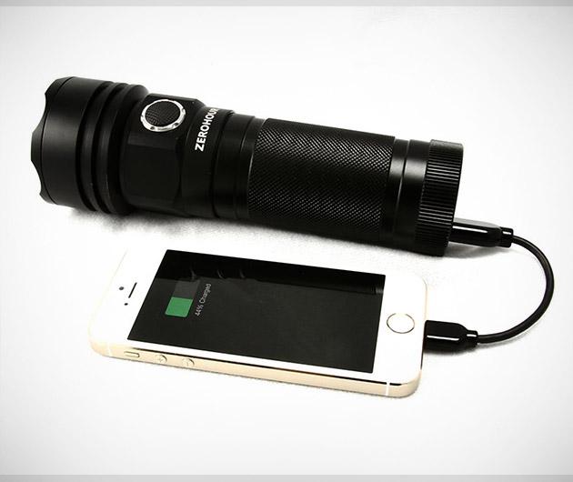 zerohour-battery-backup-flashlight-wild-charge