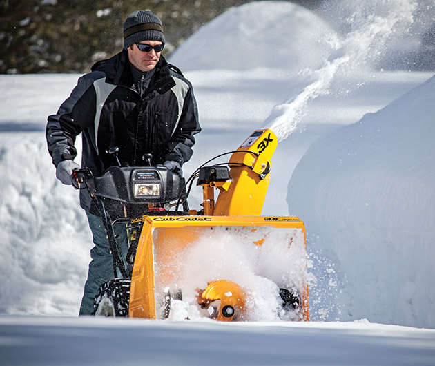 cub-cadet-3x-snow-throwers-02