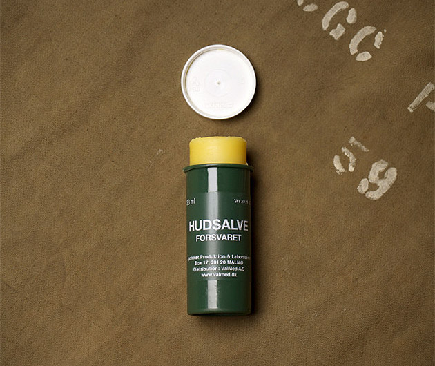 husalve-swedish-military-lip-balm-01