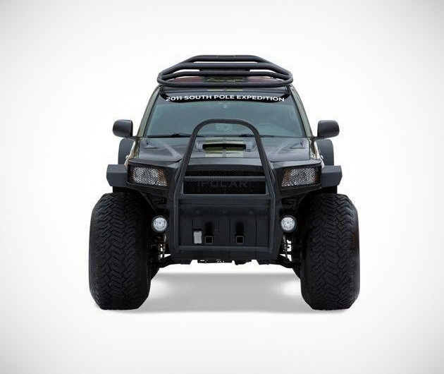 toyota-tacoma-polar-expedition-02