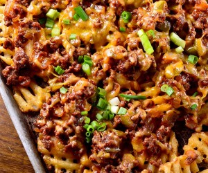 Sriracha BBQ Sloppy Joe Fries