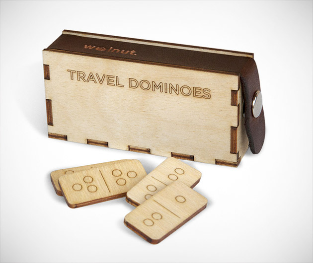walnut-travel-dominoes-01