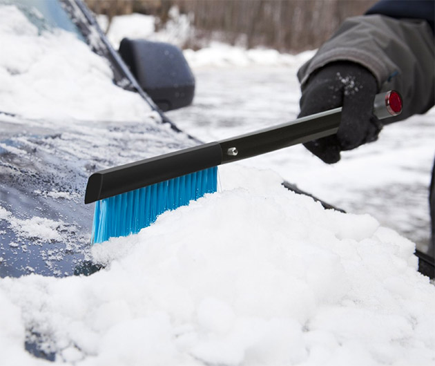 zeus-snow-shovel-&-brush-04