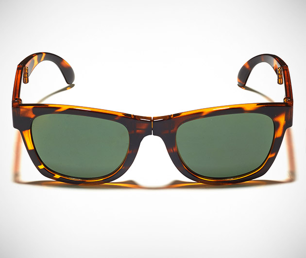 sunpocket-foldable-sunglasses-02