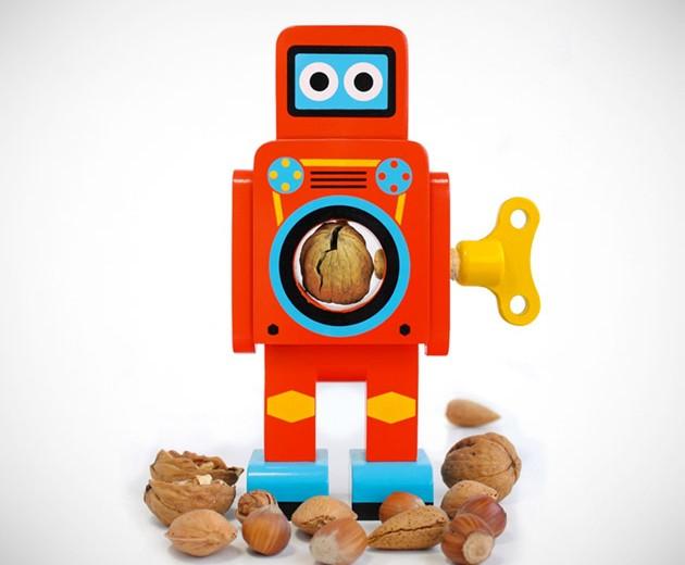 Robot Nut Cracker
