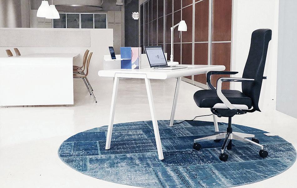 NIK Simple Desk